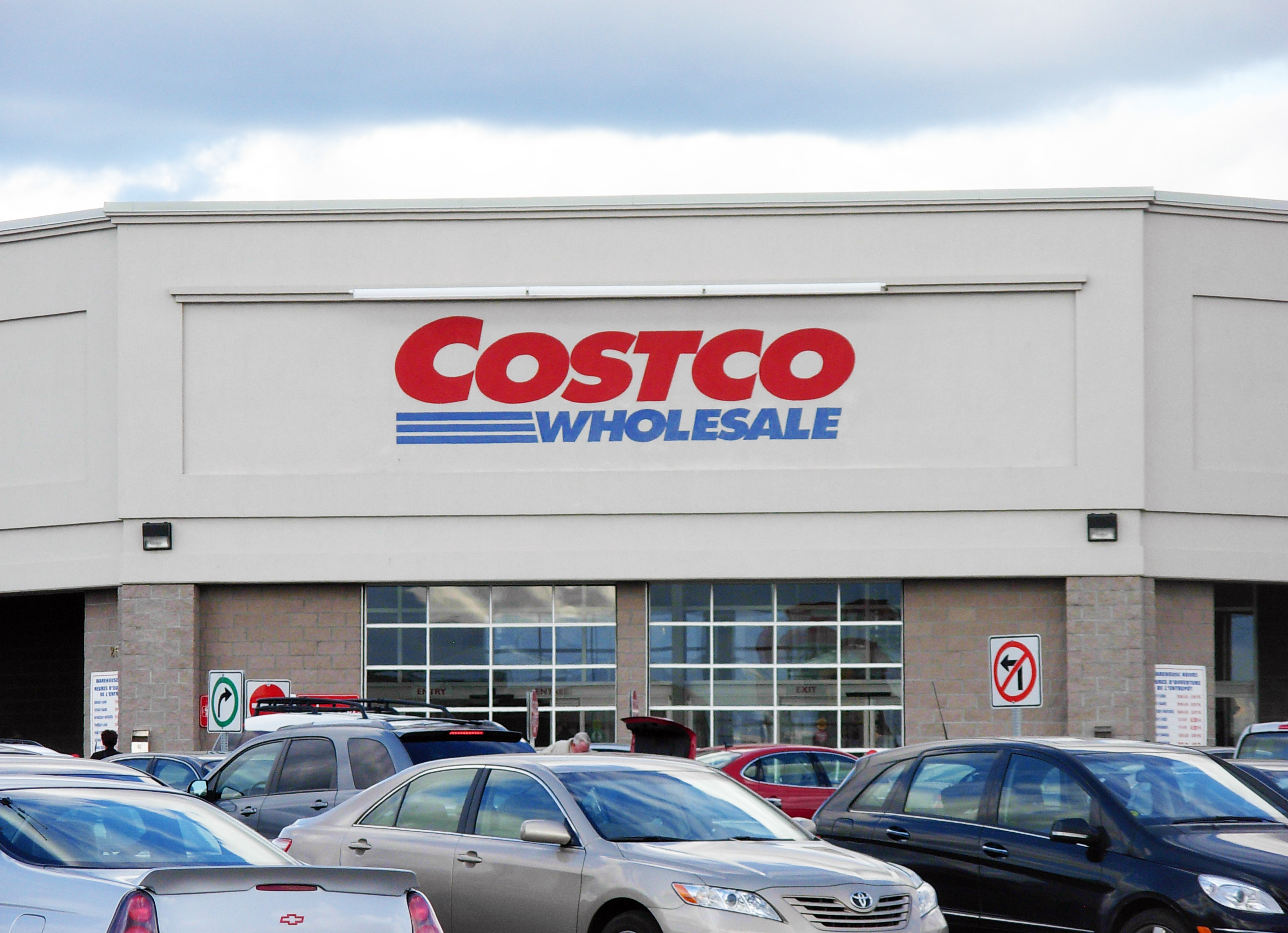 Costco Rises to the #2 Spot For Automotive Sales