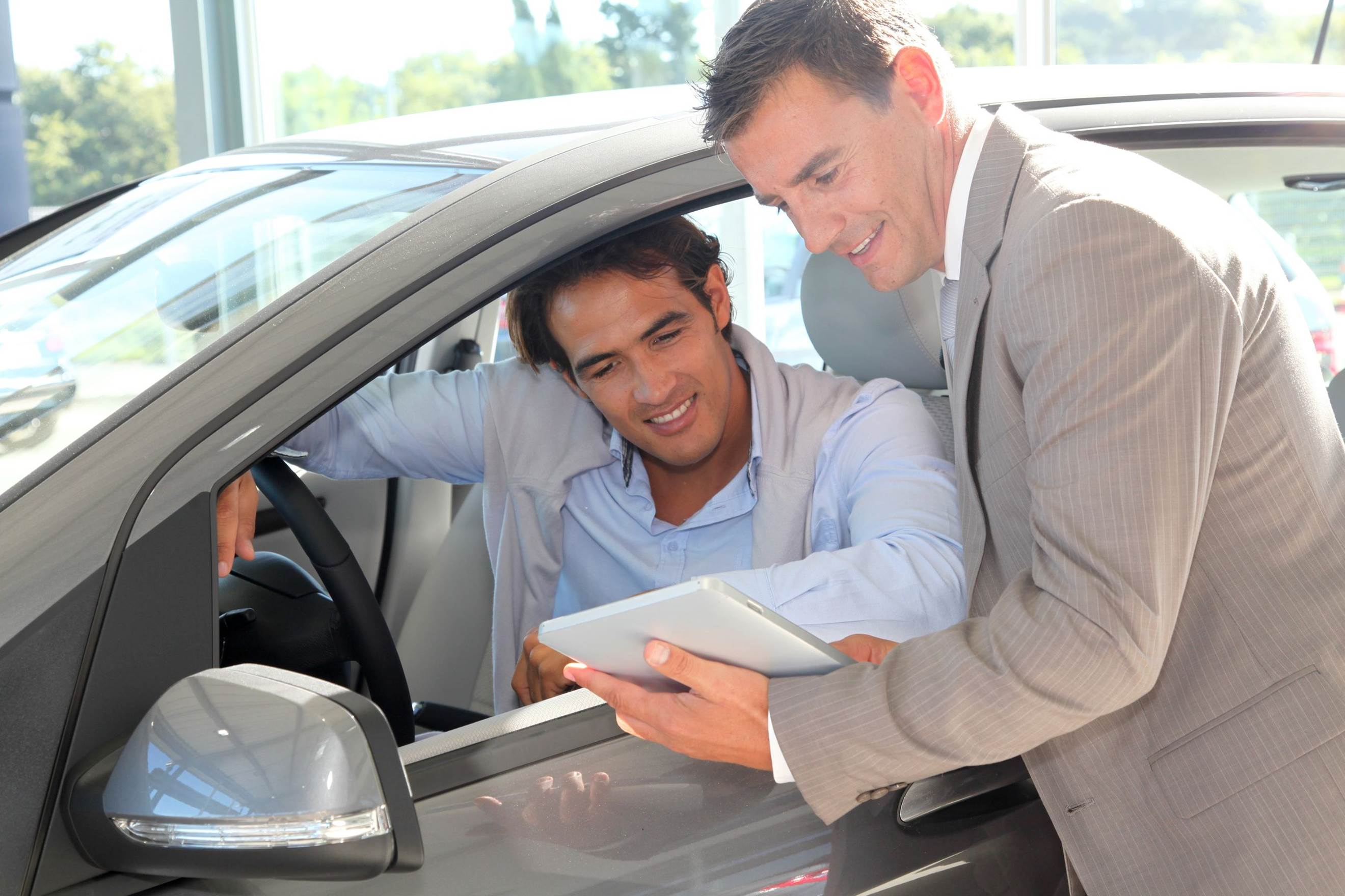 People-First Auto Retailing: How to Keep Up with Shifting Consumer Demands